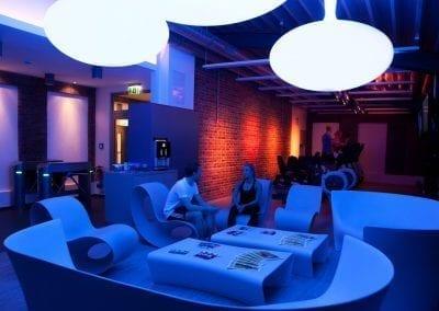 Gym mit stylischer Atmosphäre: Die Sky Lounge bei Urban Bodies