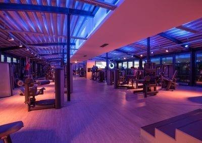 Das Herzstück: Der Gym Raum von Urban Bodies bietet dir alle Geräte, die du brauchst